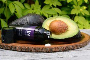 Moisturizer van LIN Skincare met avocado