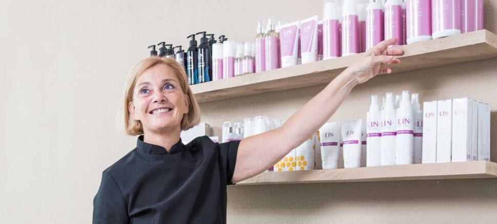 Belinda adviseert je over de beste huidverzorgingsproducten.