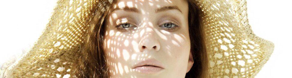 Bescherm je tegen de felle zon! - Blog LIN Skincare
