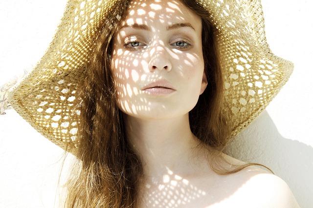 Vermijd de felle zon - Blog van LIN Skincare