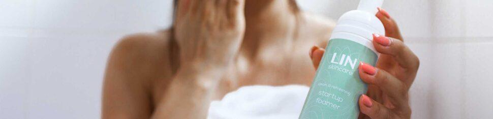 De startup foamer van LIN Skincare